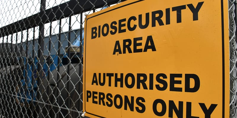 Biosecurty area, authorised persons only.